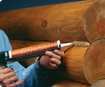 Заделка швов герметиком в деревянном