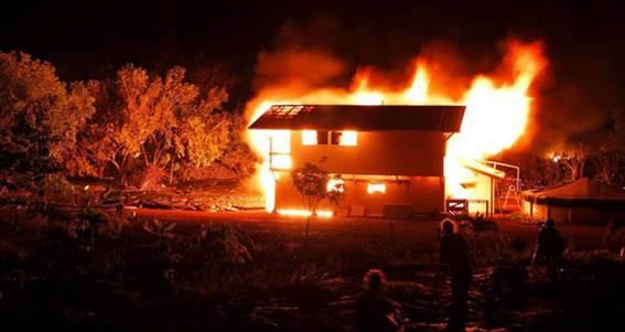 Огнезащита деревянного дома из бруса или оцилиндрованного бревна. Лучше всего – Неомид 450-1!